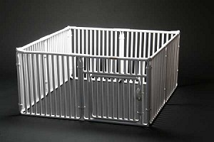 Economical whelping/play pen